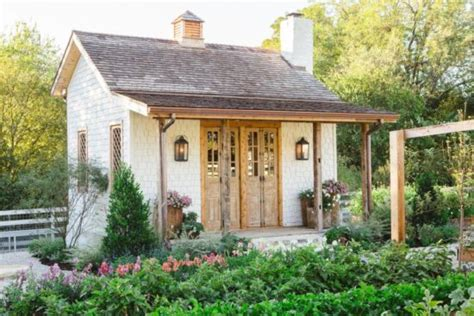chip and joanna gaines garden fixer upper favorites