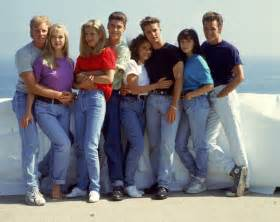 beverly 90210 fashion revisit 90s style