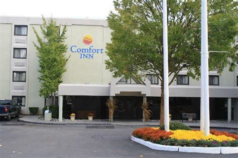 comfort inn airport warwick ri comfort inn airport warwick ri hotel reviews