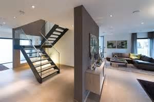moderne treppe treppe mit glas