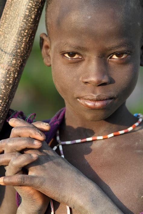 boy nudy ethiopian tribes suri boy dietmar temps photography