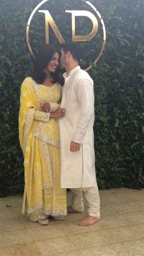 priyanka chopra and nick engagement pictures priyanka chopra and nick jonas engagement ceremony