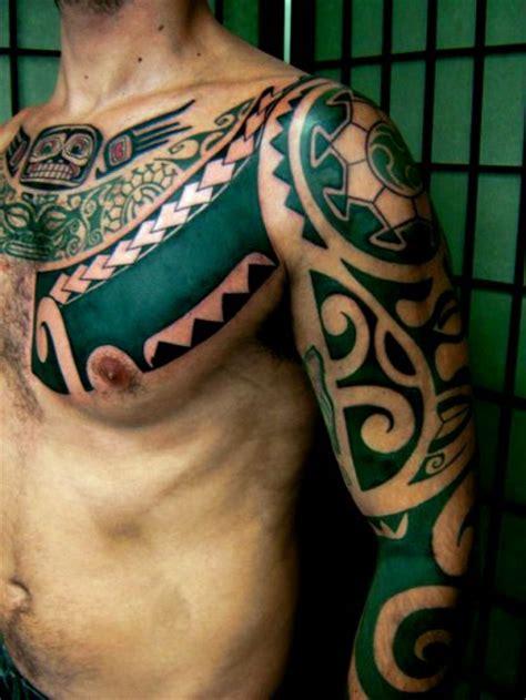 tattoo tribal pectoraux tatouages aplats pectoraux