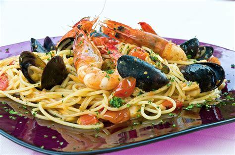 come cucinare gli spaghetti allo scoglio ricetta spaghetti allo scoglio fidelity cucina