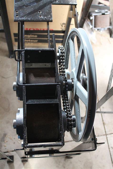 hobby ranch equine oat crimper roller mill fresh crimped