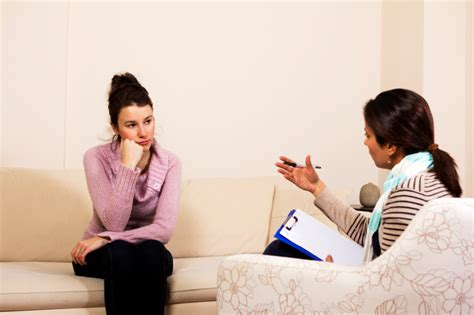 emotional therapy how to choose a therapist tips for choosing a therapist psychologymajors