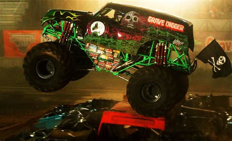 grave digger monster truck driver car and driver