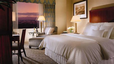 virginia hotels with in room richmond hotels rooms suites omni richmond hotel