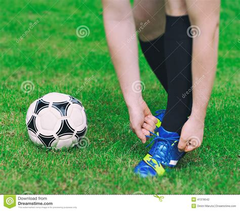 how to tie football shoes how to tie football shoes 28 images football player