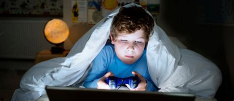 computer kids does your child need a digital detox effects of video games on a child s brain