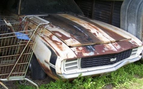 rare camaro found in basement 69 camaro finds newhairstylesformen2014 com