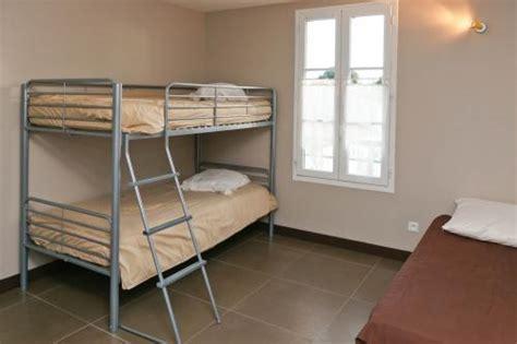 etag鑽e cuisine location ile de r 233 vaste villa 9 pers piscine chauffee