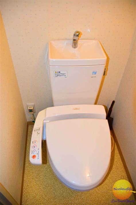 Toilets That Wash And You Tokyo Japan Our Impressions Nextbiteoflife
