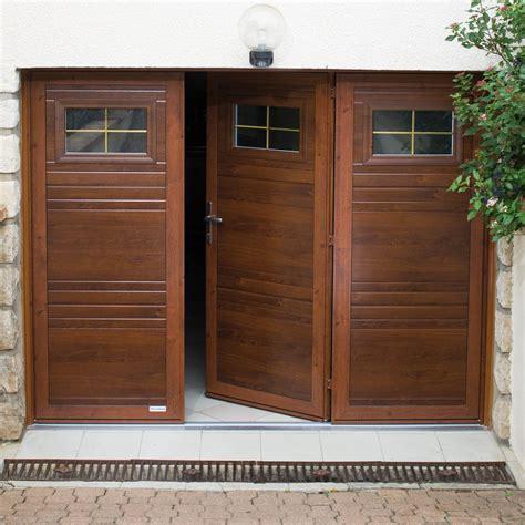 portes de porte de garage battante tradition evidence portes de garage battantes monsieur store