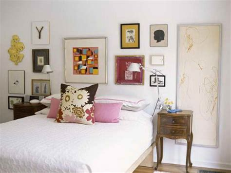 decorate  room walls  inexpensive
