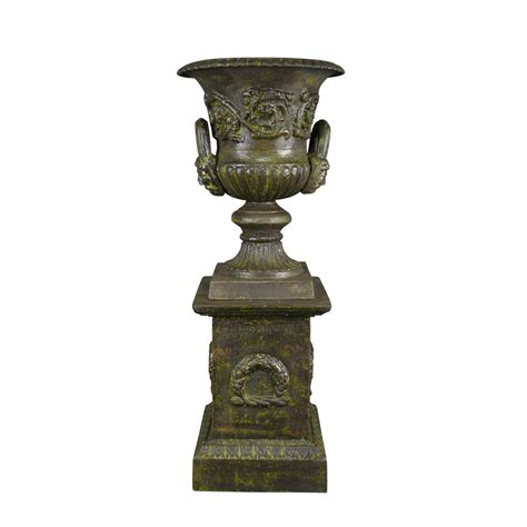 Cast Iron Vase by Medicis Vase In Cast Iron With A Pedestal Green Vase Medicis