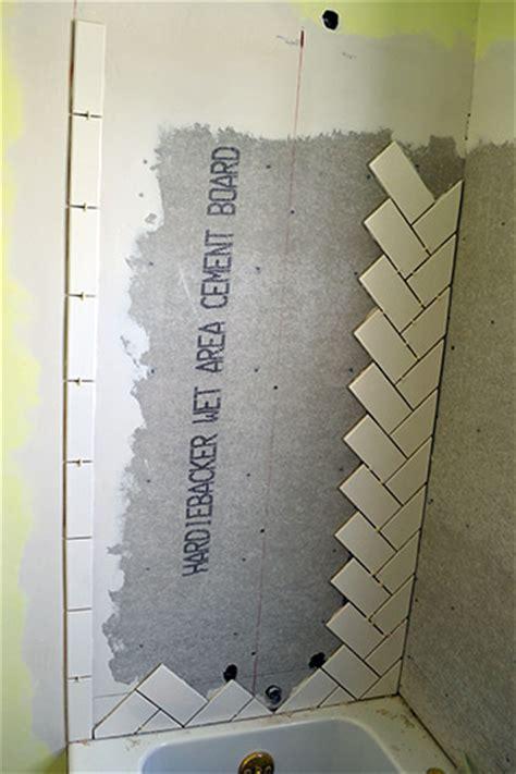 how to install subway tile diy ideas pinterest herringbone subway tile install diy ideas pinterest