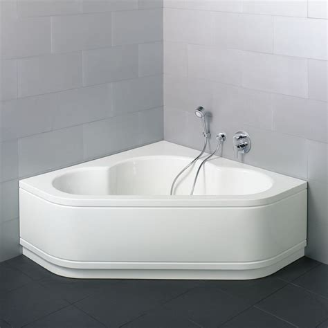 bathtubs for small bathrooms perfect corner bathtubs in small space the homy design