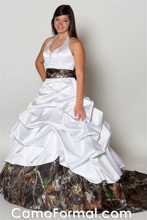 Mossy Dress Rzz 1 14 best images about camo wedding dresses on birdcage veils mossy oak and wedding