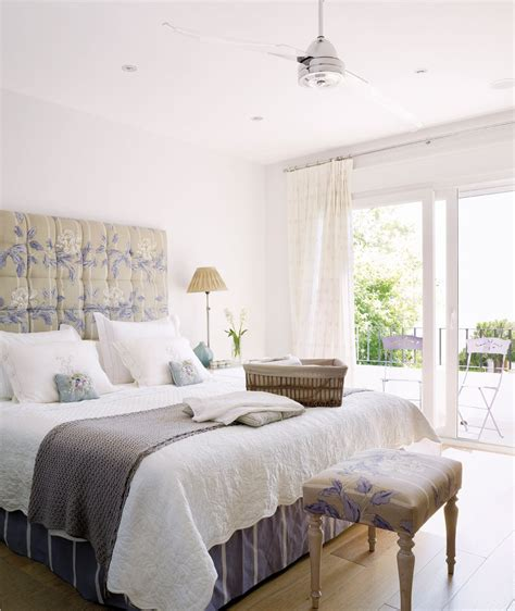 decorar cama con tela estrena dormitorio renovando las telas