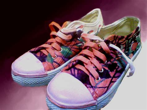 Sepatu Xml makin keren dengan sepatu lukis cowok sepatu lukis