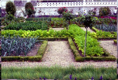 the kitchen garden hip digs