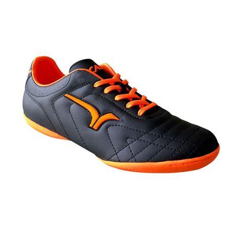Sepatu Bola Merk Calci jual calci wrath sepatu futsal black orange