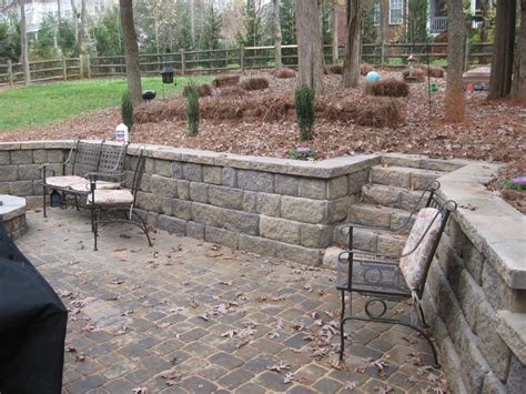 paver patio with retaining wall how do i if my retaining wall is being built