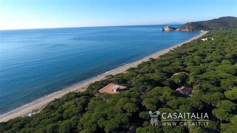 Appartamenti Sul Mare Castiglione Della Pescaia villa sul mare suddivisa in appartamenti a roccamare