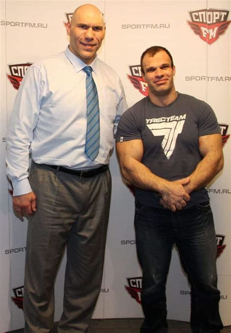 Todd Hutchings Nikolay Valuev And Denis Cyplenkov Armwrestling