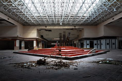 seph lawless rolling acres eerie photos of abandoned malls reveal a decaying side of