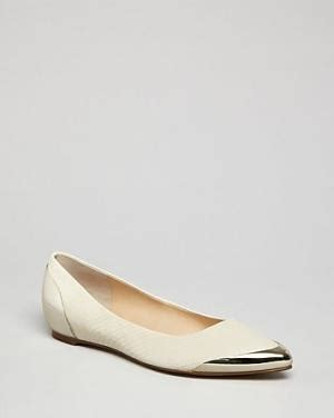 Flat Shoes Emorie Thuraya metal pointed flats the combination arabia weddings