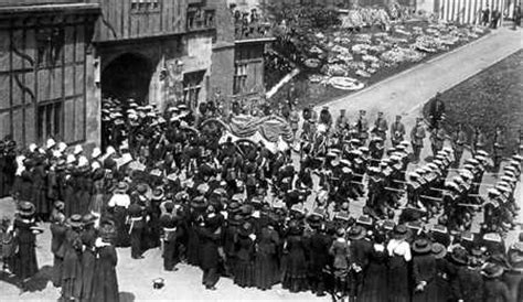 film of queen victoria s funeral arrival of funeral cortege at st george s chapel 1901 movie