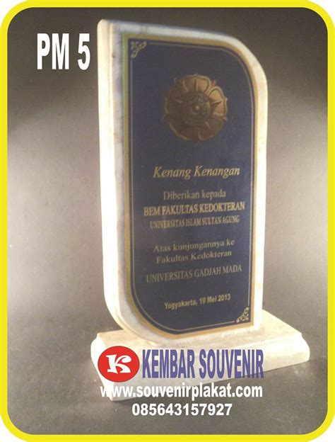 Plakat Penghargaan Aneka Plakat Custom jasa plakat marmer aneka plakat penghargaan
