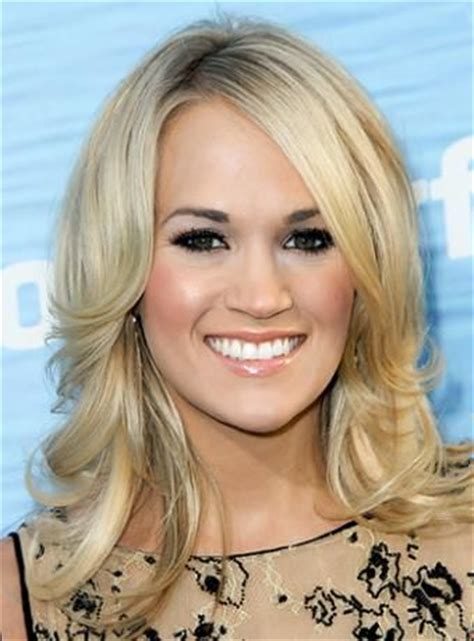 channel hair cut carrie underwood smooth flicked hairdo hairstyle channel