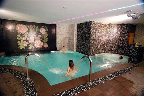 hotel con vasca idromassaggio in piemonte centro benessere trentino offerte centro wellness salus