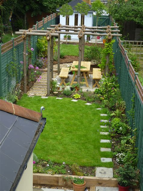 thin gardens on narrow garden garden