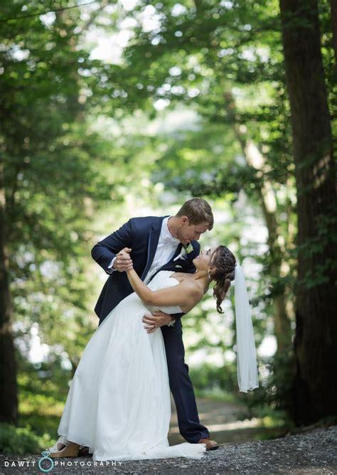 bride, groom, bride in the park, bride pose guide, wedding