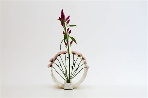 japanese ikebana inspired vases that create unique floral