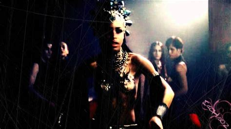 lestat and akasha queen of the damned youtube queen akasha lestat queen of the damned ll make me