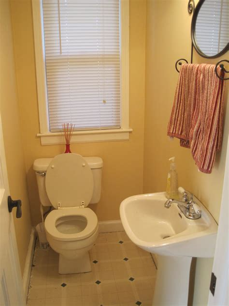 tiny bathroom design ideas that maximize space small bathroom design ideas on a budget small