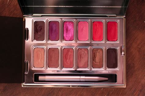 Get A Fashionable Lip Palette For Fall by Decay Vice Lipstick Palette Review Swatches