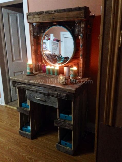 Lit Vanity Mirror Diy Projects With Wooden Pallets 10 Ideas Easy To Carry Out