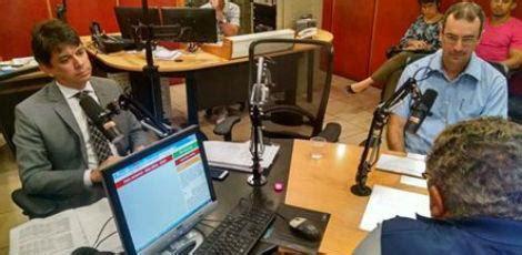 radio jornal esposas de pms e bombeiros protestam durante abertura a gente quer reconhecimento diz coronel da pol 237 cia