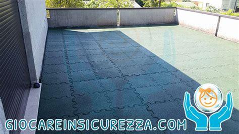 pavimentazione terrazza pavimento in gomma da esterno protettivo e modulare per