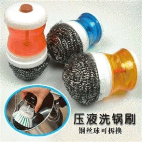 Sikat Baja 6 Baris Gagang Plastik sikat kawat baja dengan tempat sabun cair praktis digunakan harga jual