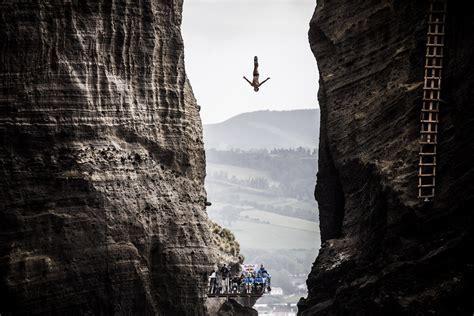 bull cliff dive jonathan paredes photos photos bull cliff diving