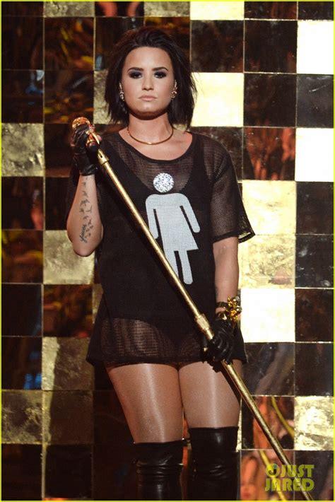demi lovato live billboard demi lovato s billboard music awards 2016 performance