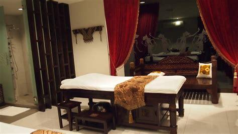 Scrub Mustika Ratu Malaysia taman sari royal heritage spa kuala lumpur malaysia