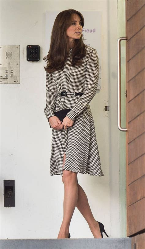 duchess kate shows off her new hairstyle picture the the life and times of duchess kate photos abc news autos